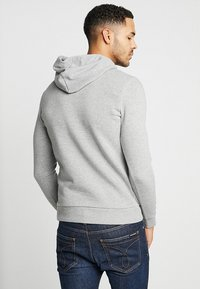 Jack & Jones - JJECORP LOGO HOOD - Hoodie - light grey melange - 2