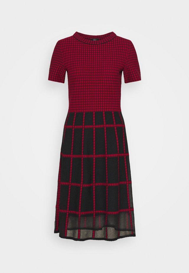 Denní šaty - burgundy