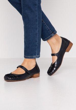 Ankle strap ballet pumps - blu