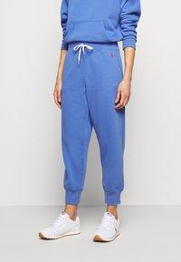 Polo Ralph Lauren - SEASONAL - Tracksuit bottoms - resort blue - 0