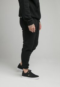 SIKSILK - ELASTIC CUFF PANT - Tracksuit bottoms - black - 4