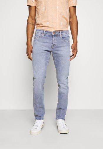 POP OF SMOKE - Slim fit jeans - blue denim