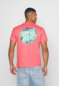 Santa Cruz - SANTA CRUZ ROSKOPP DOT UNISEX - Print T-shirt - washed red - 2