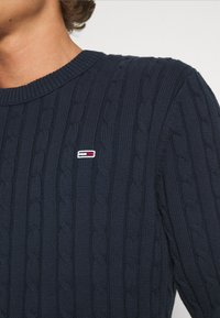 Tommy Jeans - ESSENTIAL CABLE SWEATER - Maglione - twilight navy - 6