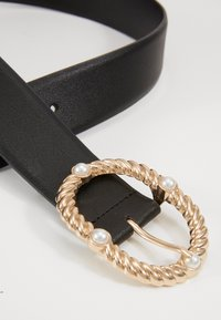 Pieces - PCONIA WAIST BELT KEY - Pásek - black/gold-coloured - 1