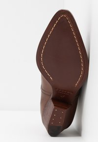 H by Hudson - AVERY - Ankle boots - brown - 6