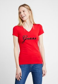 Guess - SLIM FIT - T-shirt con stampa - tomato juice - 0
