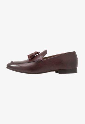 BOLTON TASSLE - Eleganckie buty - brown