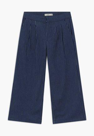 NKFATURLI CULOTTE - Straight leg jeans - dark blue denim