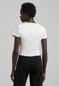 Bershka - BETTY BOOP - T-shirt con stampa - white - 2