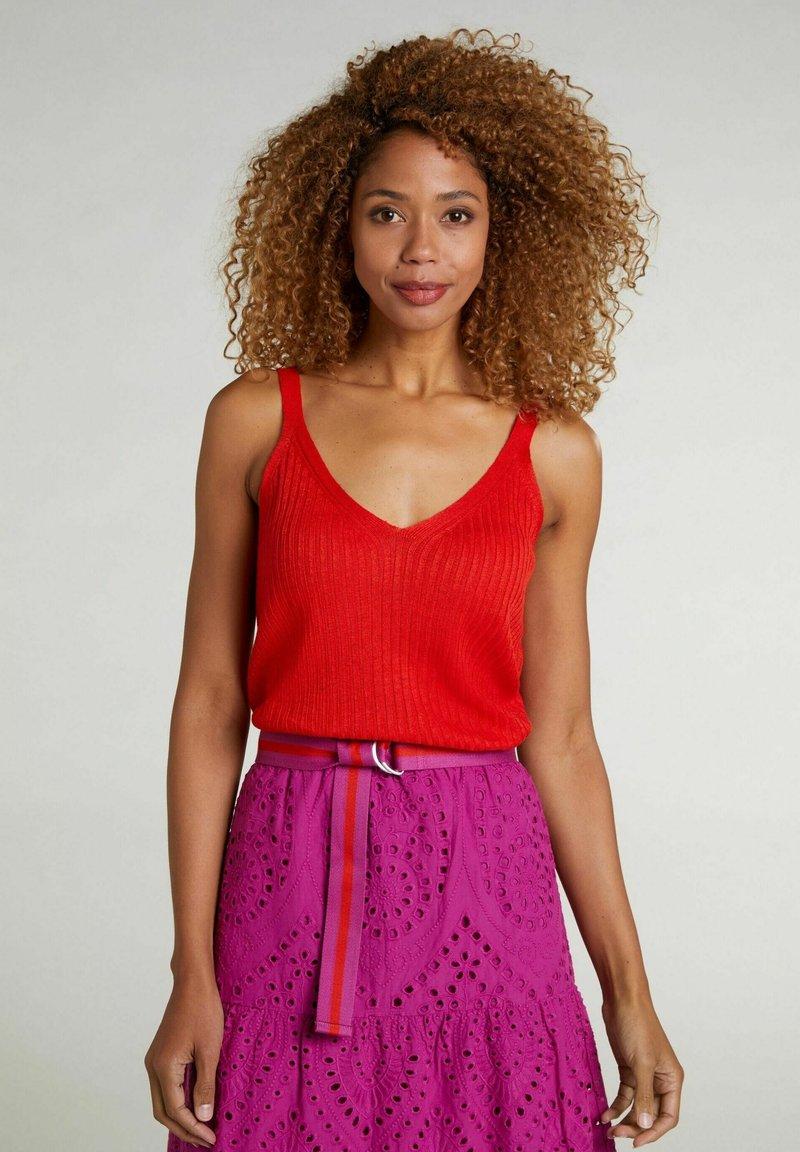 Oui - Top - fiery red