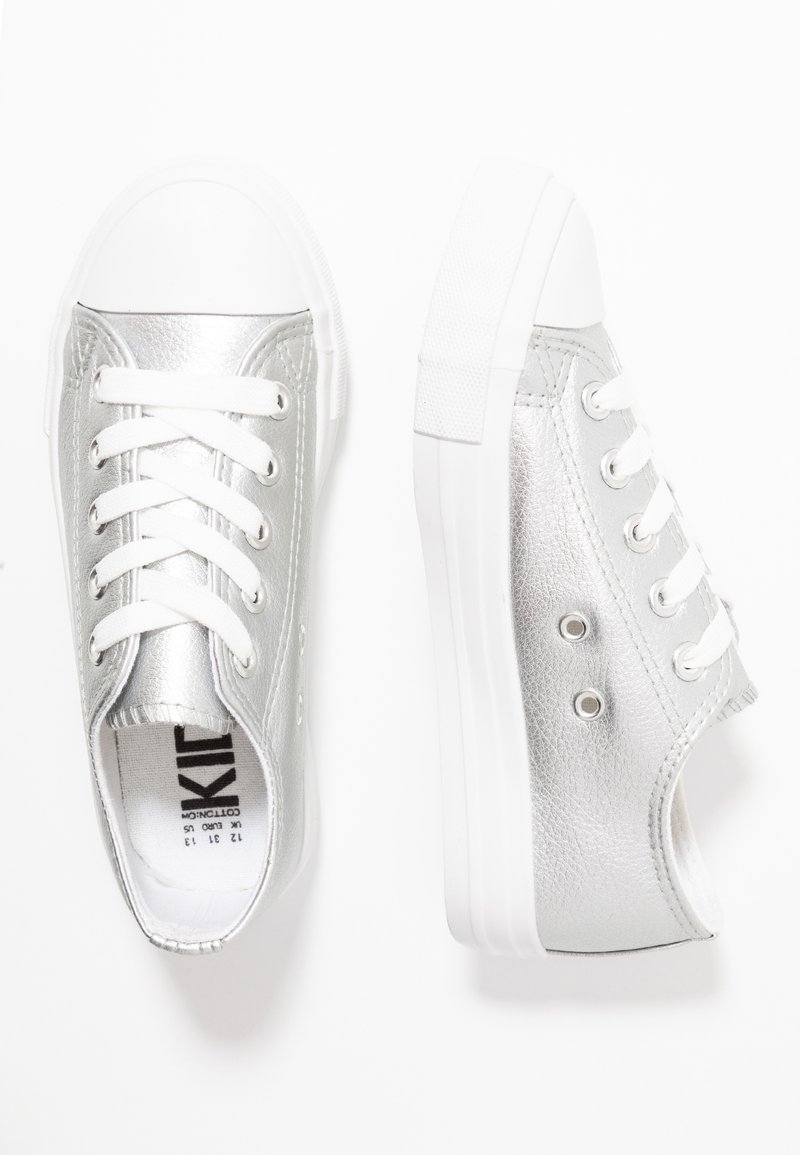 Cotton On - CLASSIC TRAINER LACE UP - Tenisky - silver metallic