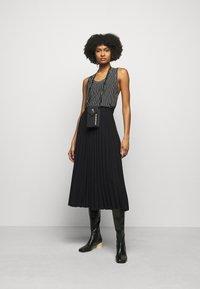 MM6 Maison Margiela - A-line skirt - black - 1