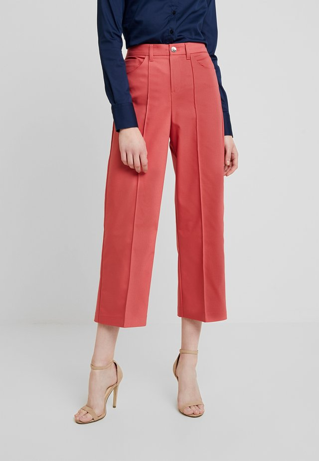 NIGHT PANT SUSTAINABLE - Trousers - holly berry
