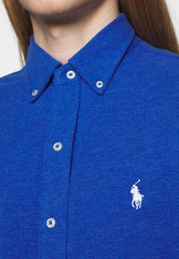 Polo Ralph Lauren - FEATHERWEIGHT MESH SHIRT - Chemise - dockside blue - 4