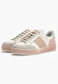 Inuovo - Sneakers laag - beige multi bem - 4
