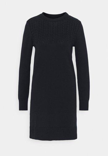 STITCH GUERNSEY DRESS - Pletené šaty - navy