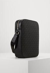 Michael Kors - HENRY FLIGHT BAG UNISEX - Across body bag - black - 3