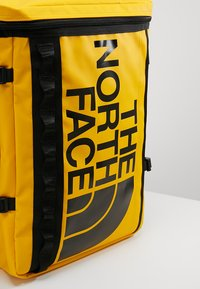 The North Face - BASE CAMP FUSEBOX - Plecak - yellow - 7