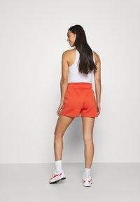 Nike Sportswear - TREND - Shorts - mantra orange/white - 2