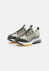 Nike Sportswear - AIR MAX ZM950 UNISEX - Trainers - light bone/citron pulse/stone/sequoia - 1