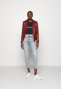Calvin Klein Jeans - HIGH RISE - Skinny džíny - denim light - 1