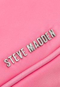 Steve Madden - BVITAL-N - Kabelka - pink - 5