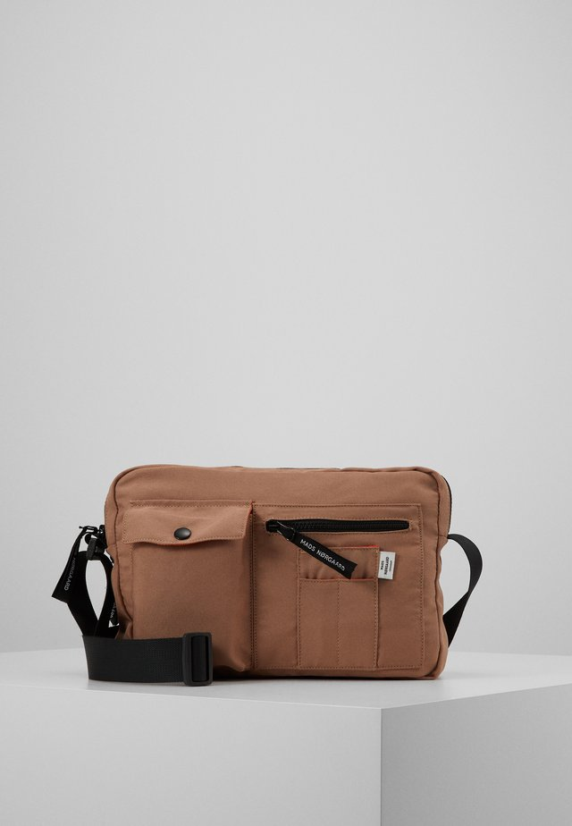 BEL ONE CAPPA - Across body bag - dark beige