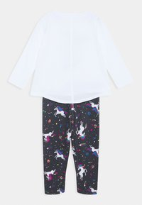 Converse - LENGTH TEE LEGG SET - Leggings - Trousers - white - 1