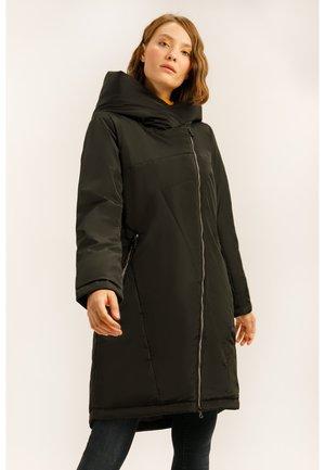 MIT GROSSER KAPUZE - Winter coat - black