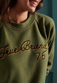 Superdry - SOFT - Sweatshirt - drab overall green - 3