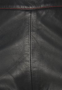 HOSBJERG - TAILOR PANT - Leather trousers - black - 2