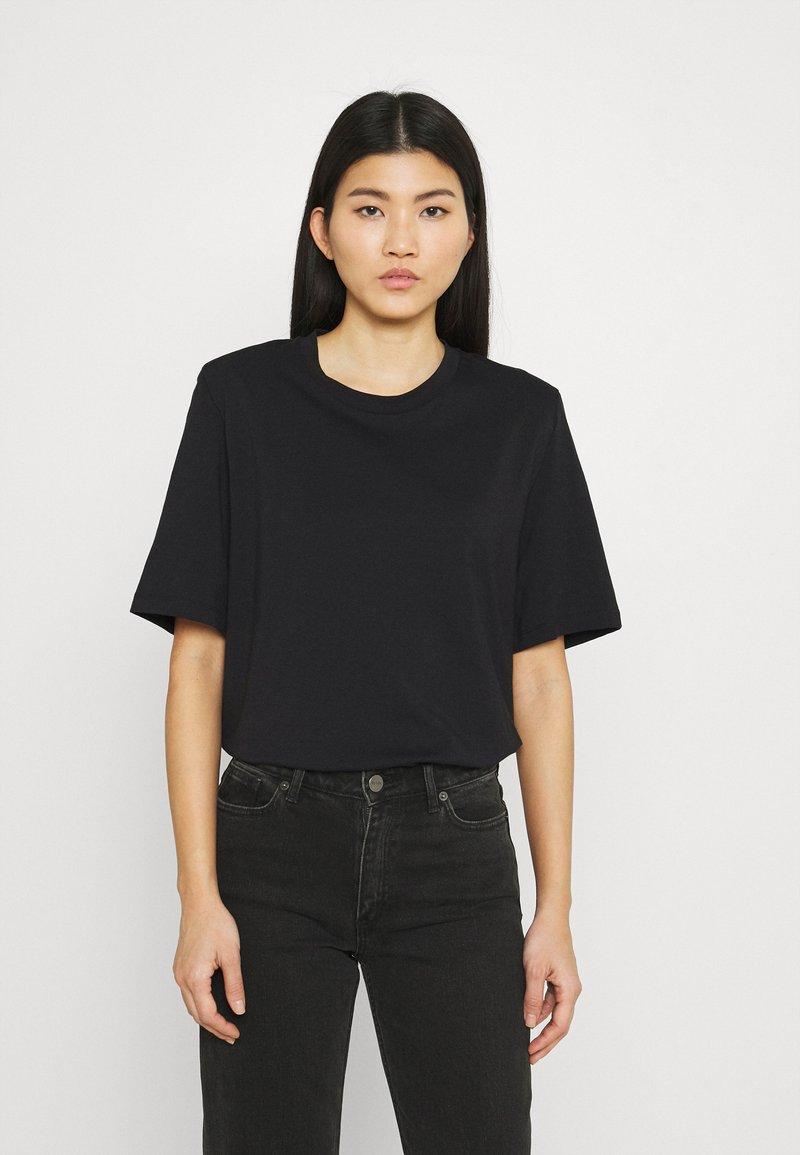 Stylein - JENNA - Jednoduché triko - black