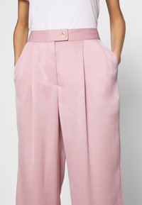 UNIQUE 21 - LUXE WIDE LEG TROUSERS - Pantalones - lilac - 4