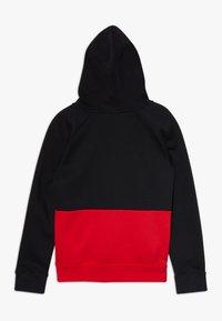 Nike Sportswear - B NSW NIKE AIR PO - Jersey con capucha - black/university red/white - 1