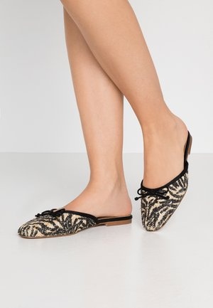 CARA - Mules - brown