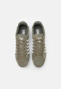 K-SWISS - COURT TIEBREAK - Trainers - deep lichen green/white - 3