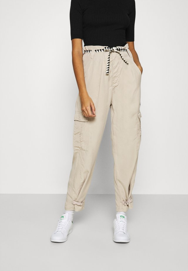 SAFARI PANTS - Pantalon classique - safari