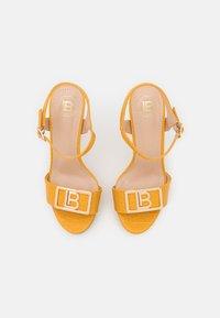 Laura Biagiotti - Platform sandals - mustard - 5