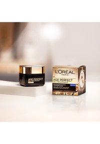 L'Oréal Paris - AGE PERFECT CELL RENAISSANCE NIGHT 50ML - Night care - - - 1