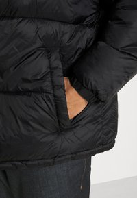 Jack & Jones - JJDREW PUFFER HOOD - Winter jacket - black - 4