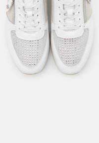 Tamaris Pure Relax - LACE UP - Trainers - white - 5
