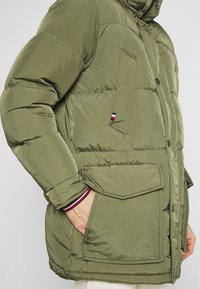 Tommy Hilfiger - Down coat - green - 4