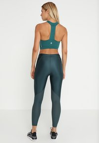 Skins - DNAMIC SPEED SPORTS BRA - Sports bra - deep teal - 2