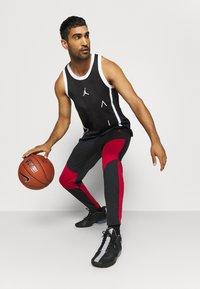 Jordan - AIR  - Sports shirt - black/white - 4
