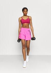 adidas Performance - BRA - Reggiseno sportivo con sostegno leggero - wild pink/screaming pink - 1