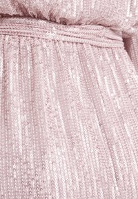 Nly by Nelly - HIGH NECK SEQUIN DRESS - Cocktailkjole - light pink - 6
