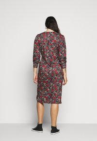 Simply Be - RUCHED SIDE DRESS - Day dress - black - 2