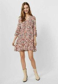 Vero Moda - SIMPLY EASY - Day dress - birch - 1