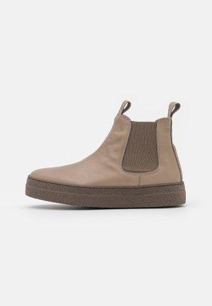 Platform ankle boots - mandorla